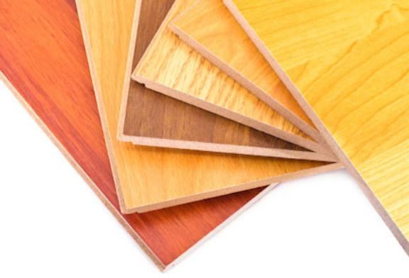 Холостяк 5 говорит, что краска для дерева должна быть экологичной!
